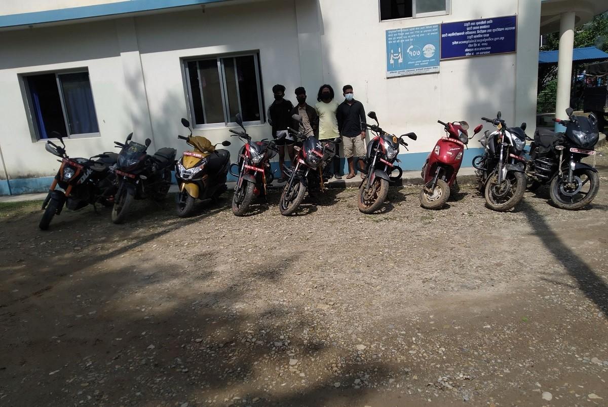 स्याङ्जामा मोटरसाइकल चोरी गर्ने चार जना पक्राउ